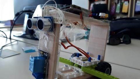 """Nuestro prototipo de Robot """" Marty"""""""